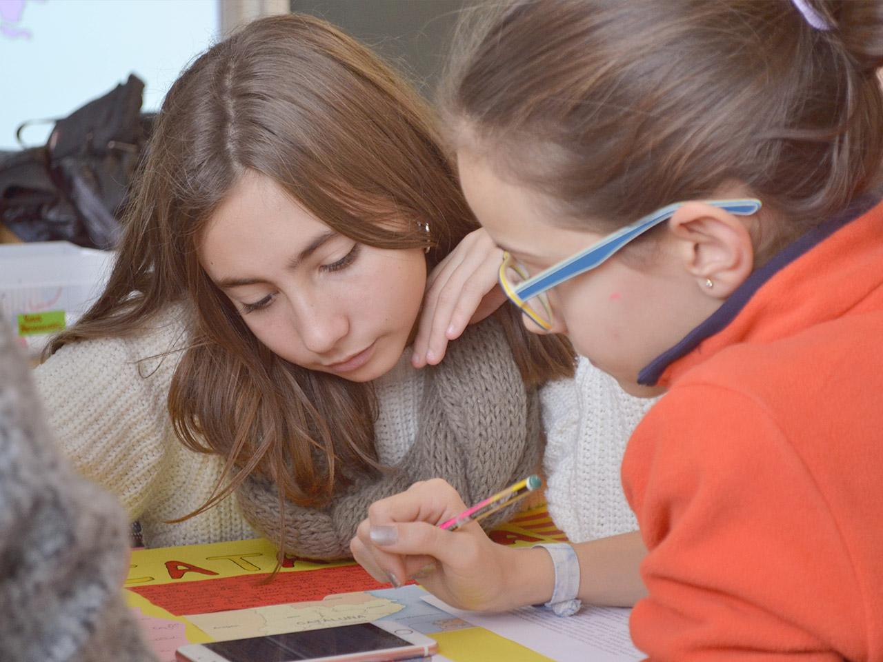 Derecho a la educación. Jóvenes tuteladas estudiando